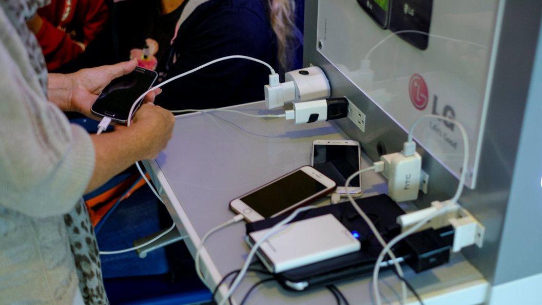 Как экономить заряд смартфона, оставаясь на связи