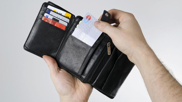 У Mastercard и Visa появился конкурент. Стало известно, когда банки подключат Мир к Apple Pay