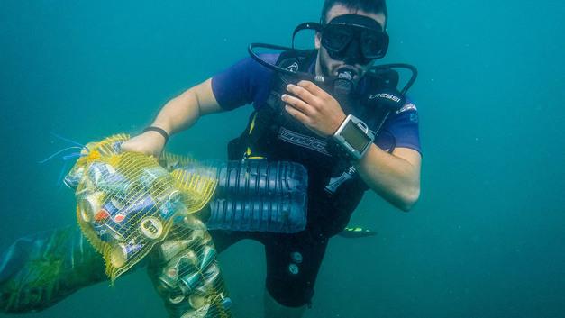 Остров из пластиковых бутылок величиной с Францию наплывает на Россию