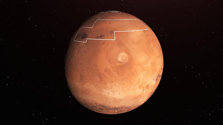 Пролетая над марсианским озером: Учёные показали удивительные кадры кратера Королёва