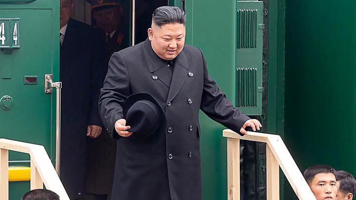 Каравай есть не стал, но обещал вернуться. Как начался визит Ким Чен Ына в Россию