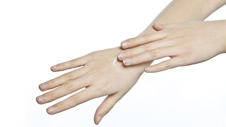 Британские ученые связали длину пальцев женщины с ее склонностью к измене
