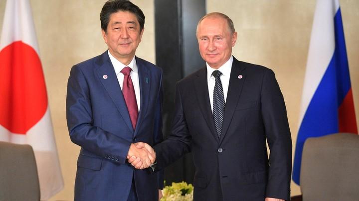 Путин с Абэ публично расскажут о результатах переговоров - Кремль