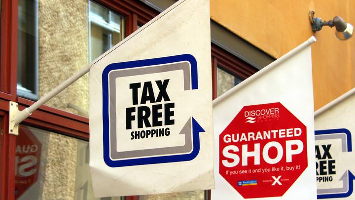 Иностранцы вПетербурге оформили чеки Tax Free на120 млн руб.