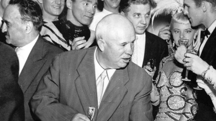 Пей: Как Хрущев ради американцев керосиновую настойку пробовал