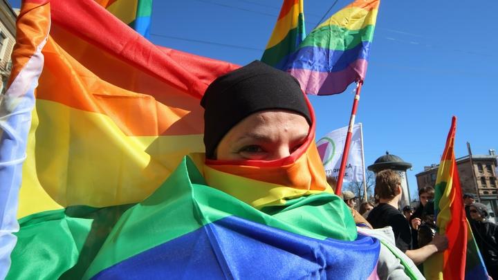 Обидчивость транссексуалов уничтожила обращение дамы и господа
