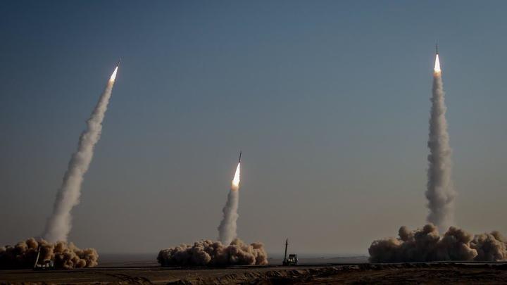 Иран нацелил ракеты на корабли США: Американский авианосец Нимиц почувствовал себя неуютно