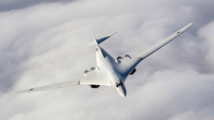 Выдали желаемое за действительное: Леонков раскрыл, зачем Ту-160 взяли Лондон на прицел