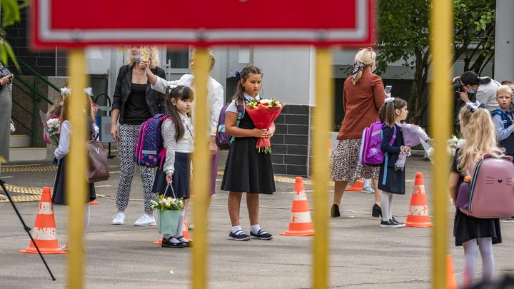 COVID поражает школы и детсады: В России - крупная вспышка инфекции