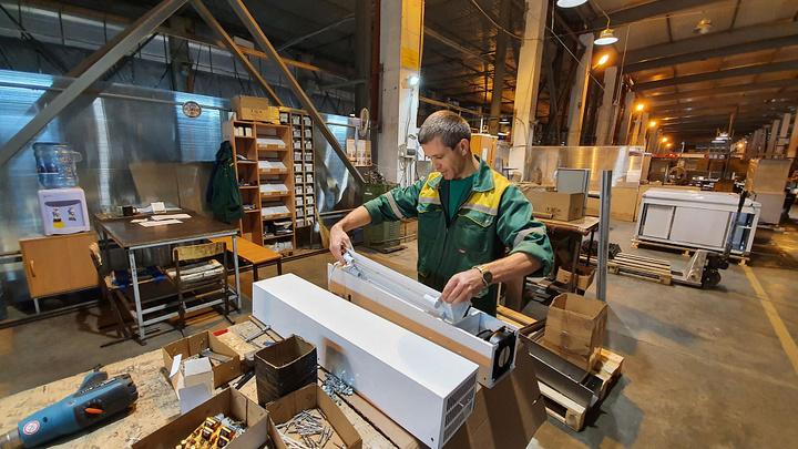 Нарастили объемы производства за месяц: На Кубани выпустили более двух тысяч рециркуляторов воздуха