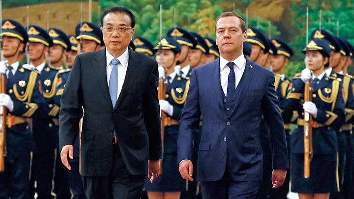 Медведев в Пекине: Начало китайского ига?