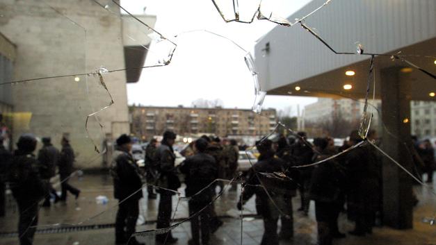 Помню от начала до конца: Кобзон о переговорах с террористами во время теракта на Дубровке