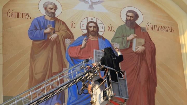 В России такого не будет: В Русской Церкви раскритиковали появление чёрного Христа в Англии