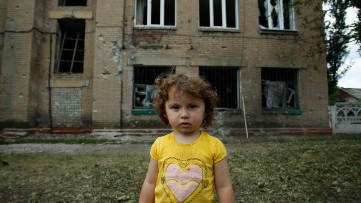 Что делать с раковой опухолью?: Украинский министр пообещал вылечить больной Донбасс