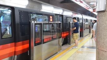 В метро Пекина запустили аутентичные поезда-беспилотники