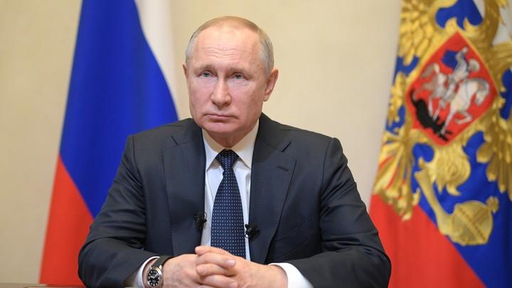 Послание дорабатывалось до последней минуты: Делягин объяснил заминку с обращением Путина
