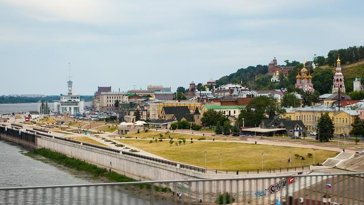 Амфитеатр начали строить на набережной Федоровского в Нижнем Новгороде