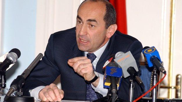 Второго президента Армении допрашивали несколько часов