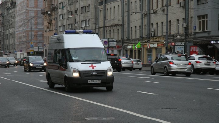 Спасатели госпитализируют детей после ДТП с автобусом в Сербии
