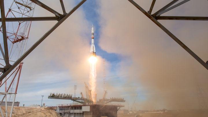 С Байконура запустят 12 космических аппаратов одновременно