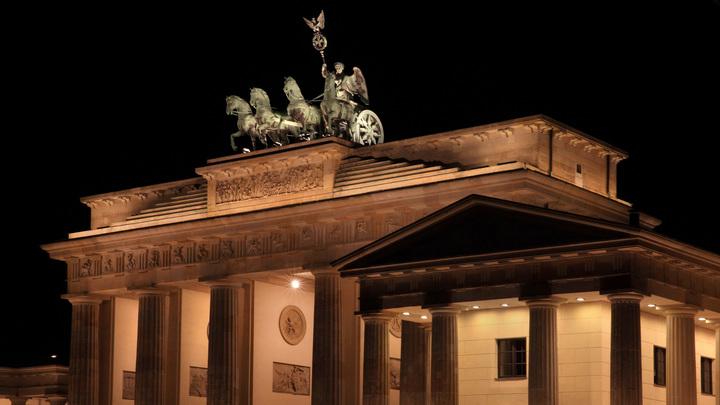 В Берлине пропали 12 установленных в память жертв нацизма камней преткновения