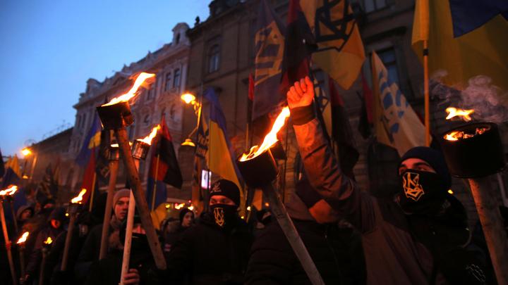 Шантажом и угрозами: Укронацисты принудили народную артистку Украины отречься от России