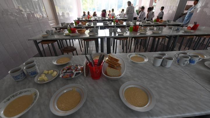 В самарской школе №116 детей накормили супом с пауками