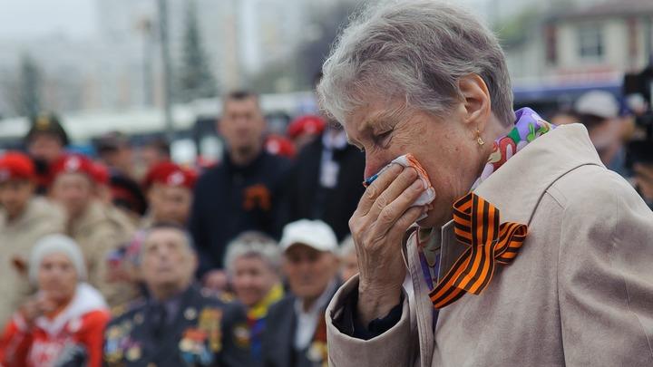 Дед Саша, бабушка Майя, мы всё преодолеем: Врач Коммунарки дала трогательную клятву ко Дню Победы