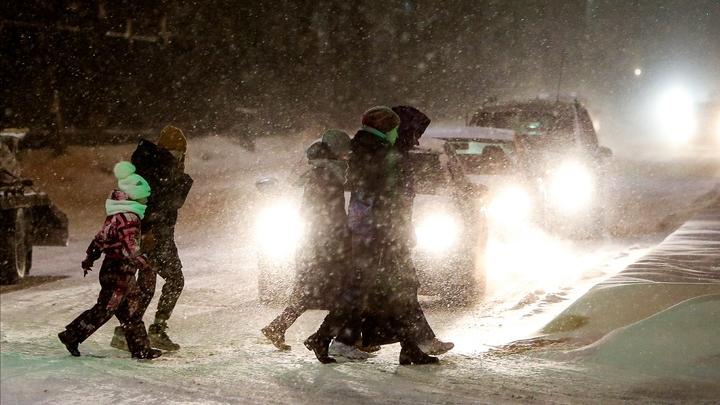 В Санкт-Петербург пришел циклон, который уже завалил снегом всю Москву