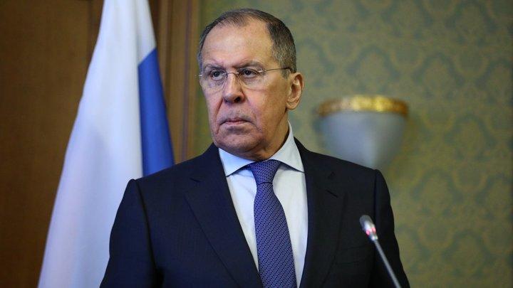 Клянчат: Лавров преподал урок достоинства украинским властям