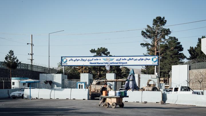 Впервые после теракта: Кабул снова открыт для международных авиарейсов