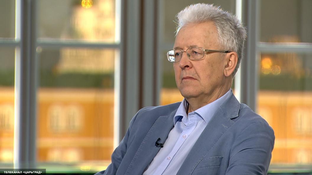 Катасонов: Последние десять лет Россия теряет по сто миллиардов долларов в год