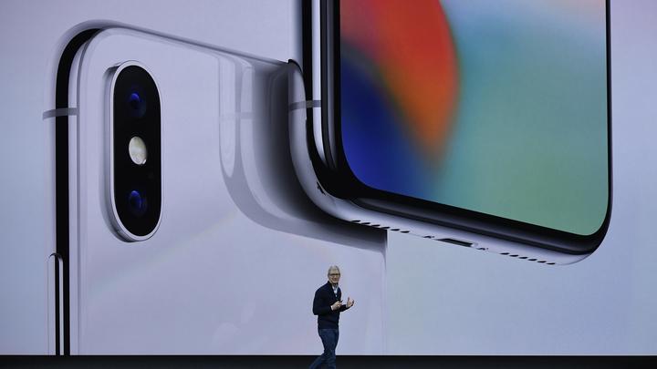 Реагирует на прикосновение, слово, взгляд:Пользователи оценили новый iPhone Х