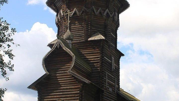 В Карелии горит Успенская Церковь XVIII века