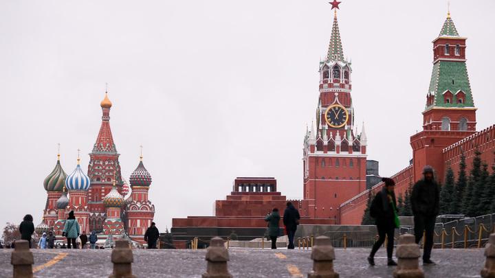 На съезде партии РОТ фронт в президенты России выдвинули машинистку башенного крана