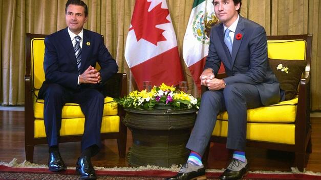 Веселые носочки премьера Канады свели с ума журналисток на АТЭС