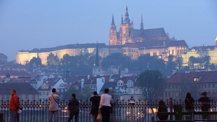В результате пожара в центре Праги погибли двое, пострадали - 40 человек