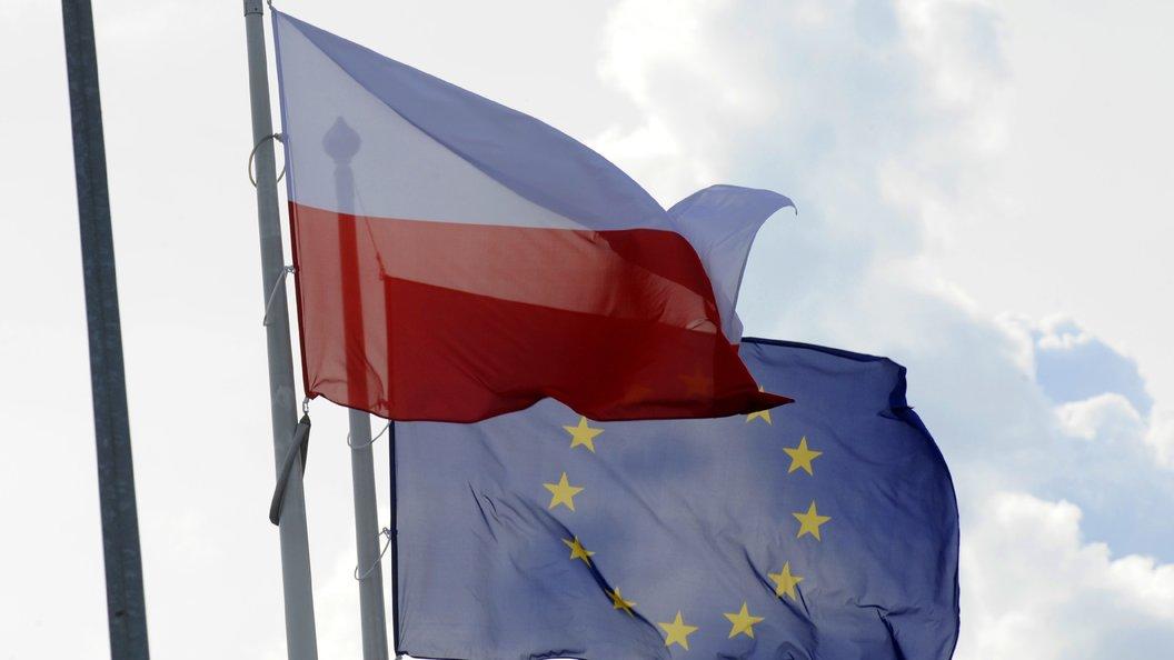 Правительство Польши вслед за премьером ушло в отставку