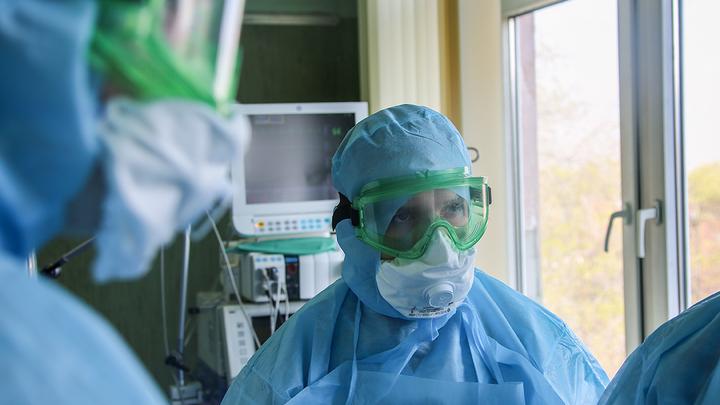Коронавирус зачищает врачей в России. Всё больше больниц парализовано