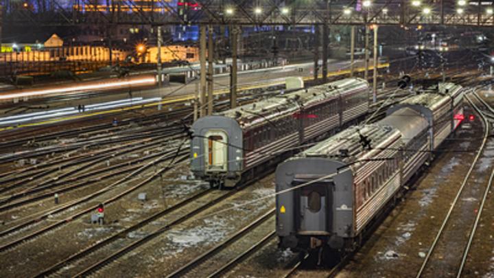 На железной дороге в Челябинской области сошёл с рельсов локомотив