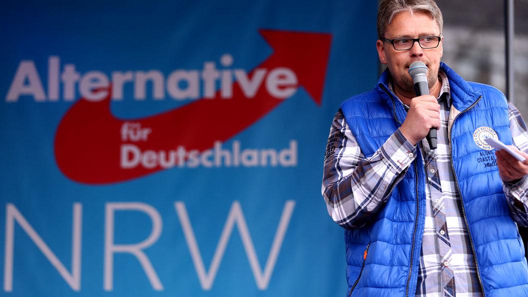 Почему еврейские избиратели в Германии стали голосовать за антисемитов и фашистов?
