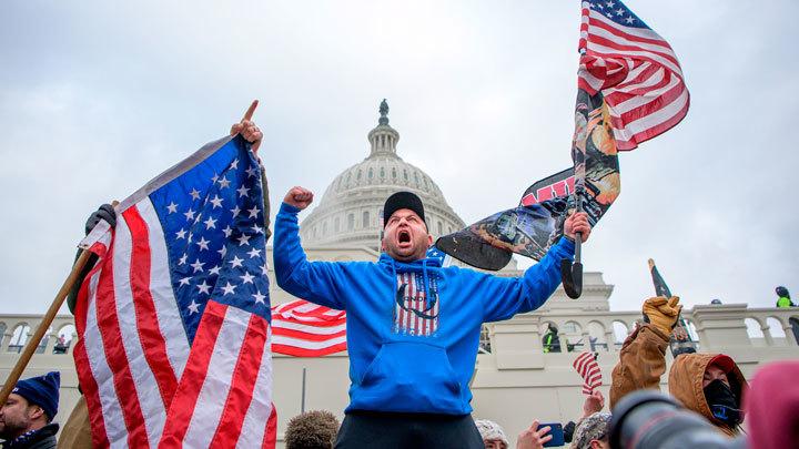 Идеолог западной демократии: США прогнили насквозь