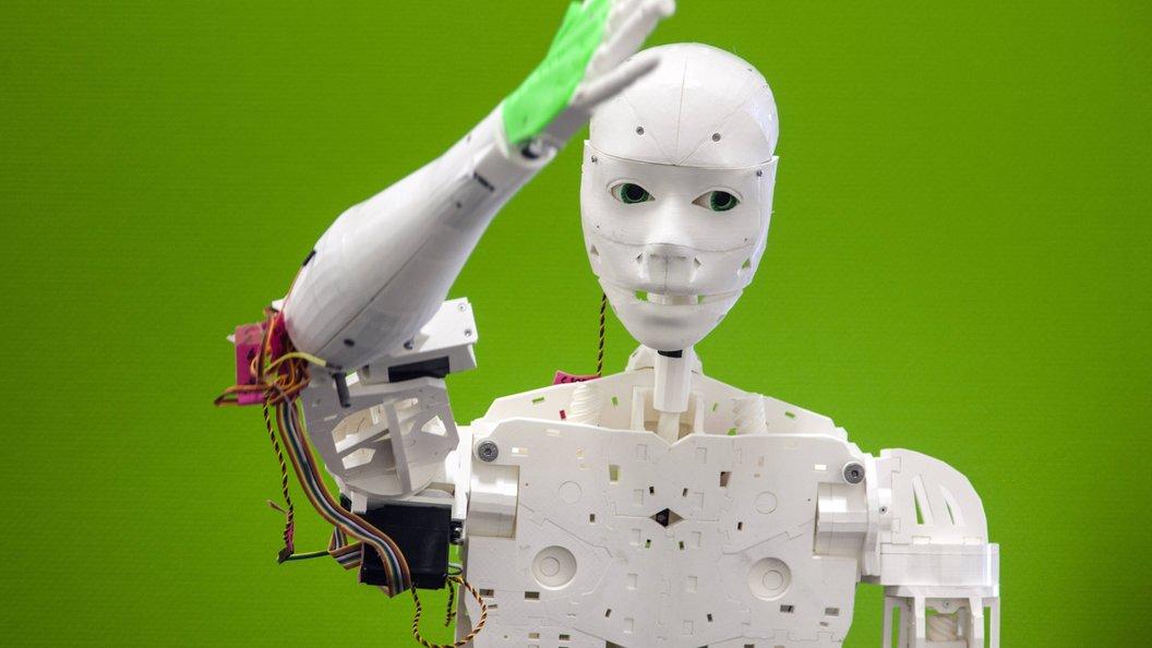 В России робот впервые в истории принял участие в марафонском забеге