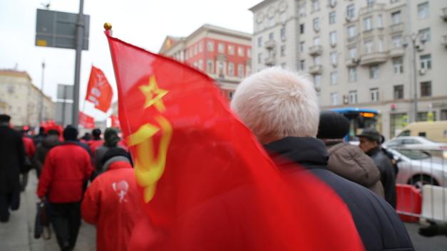 В Воронеже более 10 лет игнорировали ошибку на мемориальной табличке Героям СССР