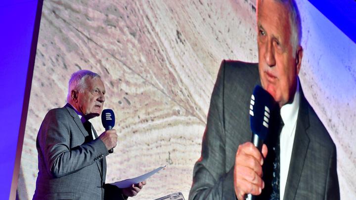 Наглость и трусость: Бывший президент Чехии оскорблён сносом памятника маршалу Коневу