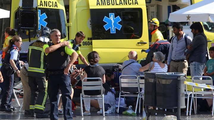 Теракт в Барселоне - фургон въехал в толпу. Онлайн-трансляция