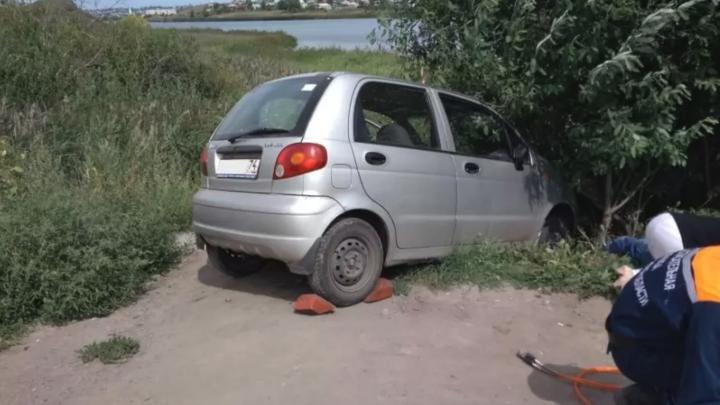 В Челябинской области водитель погиб под колесами собственного автомобиля