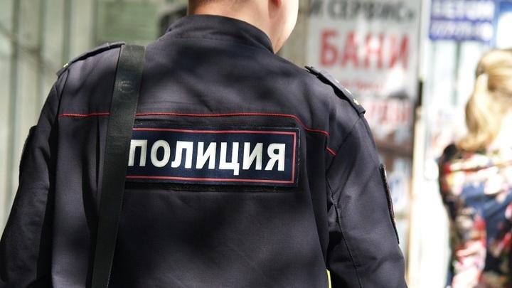 В Ростове безработный семь лет крышевал бизнесмена под видом полицейского