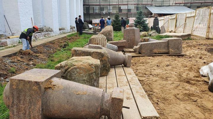 Реставрация некрополя Новодевичьего монастыря: Вандализм или бережное спасение?
