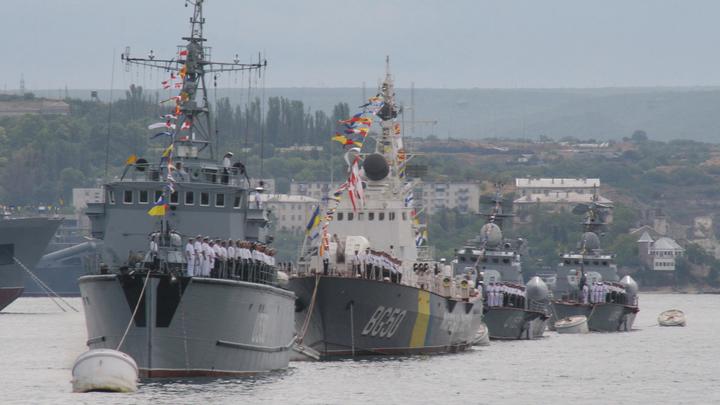 Быть реалистами: Вице-адмирал Украины указал властям на неэффективность москитного флота и сгнивающие большие корабли